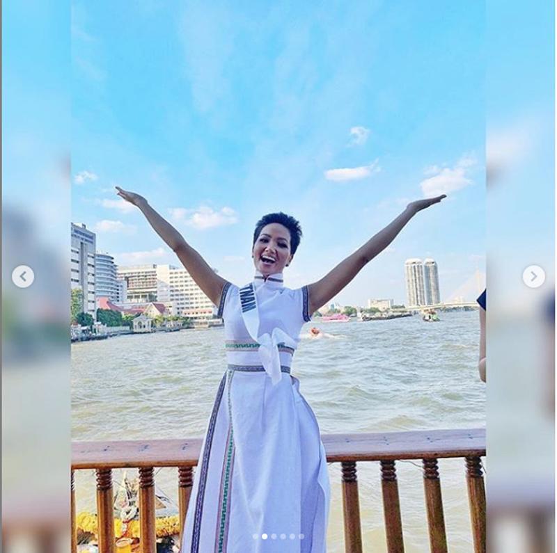 dien ao dai hoa van dan toc e de, h' hen nie len han tap chi hang dau thai lan - 4