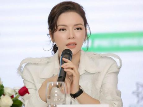 """""""Người tình"""" xứ Hàn bị giữ hộ chiếu còn Lý Nhã Kỳ bị nhà sản xuất quỵt tiền, hù dọa"""