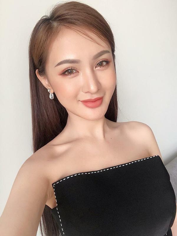 "ngo nguoi truoc hinh selfie cua ""quynh bup be"", dan tinh tu hoi day la quynh hay kelly nguyen - 6"