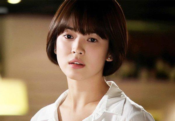 Co phai nho kieu toc nay ma Song Hye Kyo buoc vao tuoi 'bam' van cu tre dep?