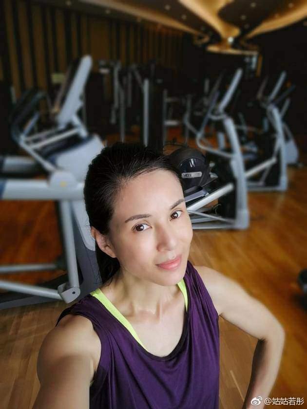 ngoi sao 24/7: su that chuyen nang dong phuong bat bai khoc suot dem ngay tinh cu lay vo - 4