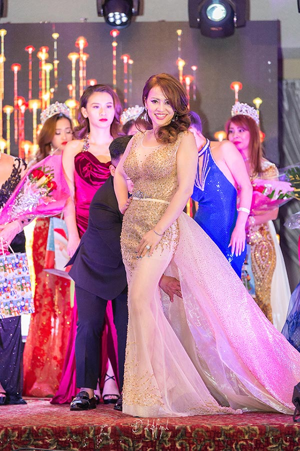 doanh nhan nina phuong dang quang a hau 1 mrs viet nam intercontinental 2018 tai canada - 8