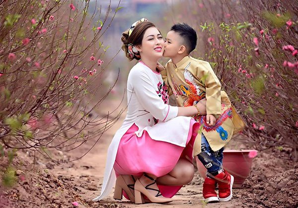 ban trai bo roi, 2 my nhan don than nuoi con nhung lai phat benh nang - 12