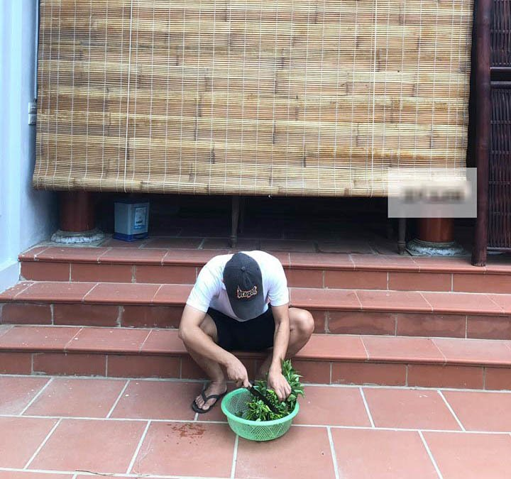 "den gio com vo van di choi, chong truong ho cam dao roi hanh dong khien ai cung ""het hon"" - 1"