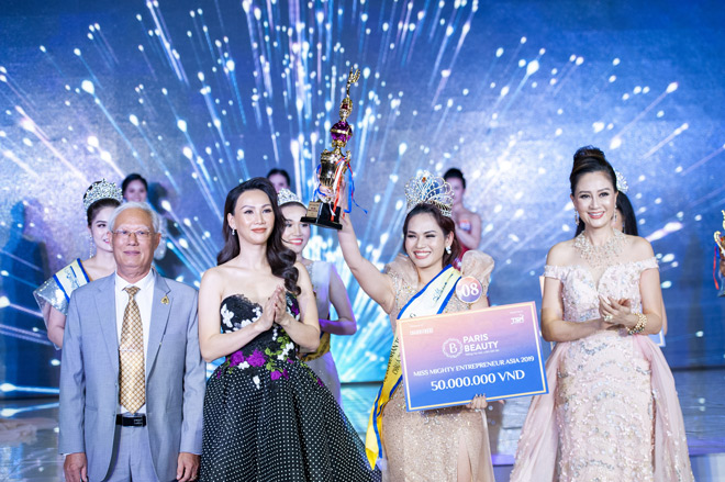 """bong hong thep"" ngoc han gianh ngoi hoa hau doanh nhan toan nang chau a 2019 - 1"