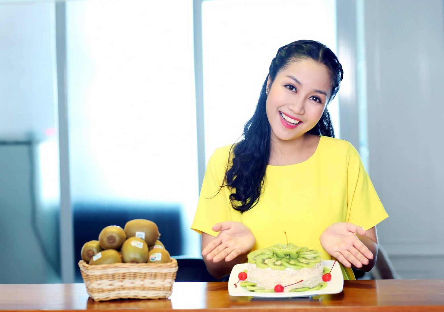 Bị chỉ trích vì làm lố tại gameshow, Ốc Thanh Vân vẫn tự tin khoe nhan sắc đẹp rụng rời - 12