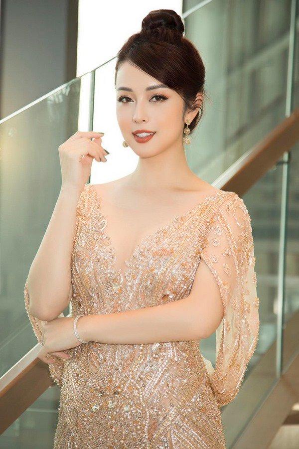 amp;#34;Tái xuấtamp;#34; sau ít tháng vắng bóng, Jennifer Phạm mới bầu hơn 2 tháng mà mặt đã tròn xoe - 4