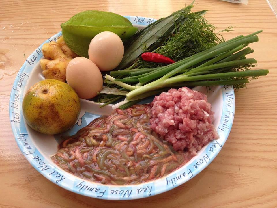 Làm món ăn từ con vật khiến nhiều người khiếp sợ, Văn Mai Hương thấy khổ thân hàng xóm - 6