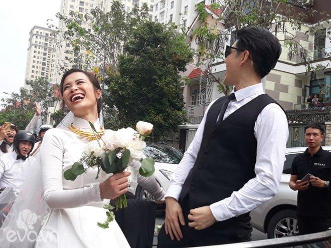 dong nhi vo oa hanh phuc trong giay phut buoc len xe hoa cung chu re ong cao thang - 17
