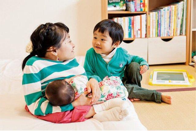 CôNatsuko từng cảm thấy bất lực vì không thể nuôi nấng con như người bình thường.