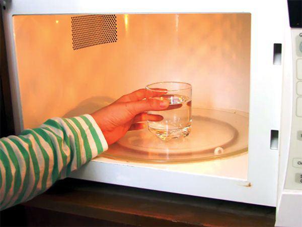 Vắt chanh xong bỏ vỏ vào bồn rửa bát,công dụng chắc chắn sẽ làm bạn bất ngờ - 5