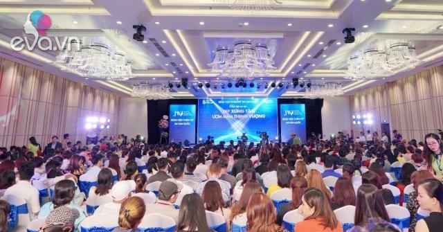 Hơn 2000 khách hàng quy tụ tại đại tiệc thẩm mỹ của Bệnh Viện JW