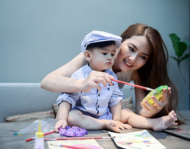 "ngoc lan phat ngon tren truyen hinh: ""chang le sinh con ra lai cho no uong nuoc com, toi lam"" - 3"
