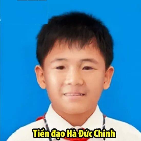 "loat anh thoi ngo tau cua cac ""nam than"" u22 viet nam, ha duc chinh an tuong nhat - 3"