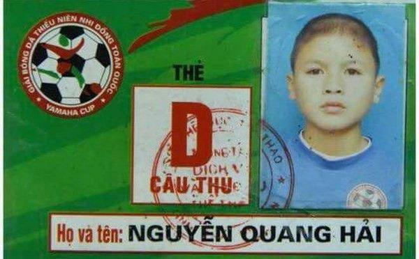 "loat anh thoi ngo tau cua cac ""nam than"" u22 viet nam, ha duc chinh an tuong nhat - 10"