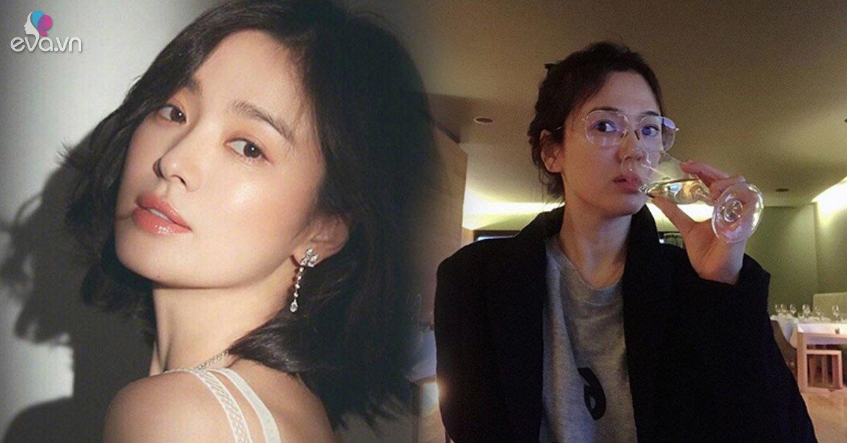 Bạn thân chụp vội cho bức hình, Song Hye Kyo chưa son chưa phấn vẫn đốn gục tim fans