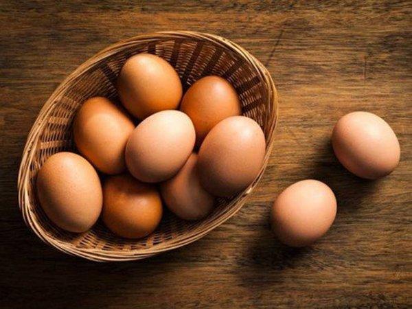 Vơ được nắm tóc mỗi sáng chải đầu, bạn cần bổ sung gấp 7 loại thực phẩm này