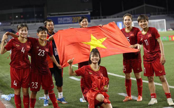 Vì sao số tiền thưởng kỷ lục 22 tỉ đồng chưa thể đến tay đội tuyển bóng đá nữ?