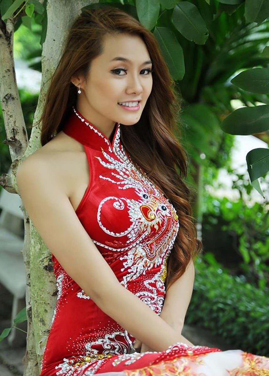 "khong cung huyet thong, ""my nhan dao keo"" linh chi va ninh duong lan ngoc van giong nhau nhu tac - 7"