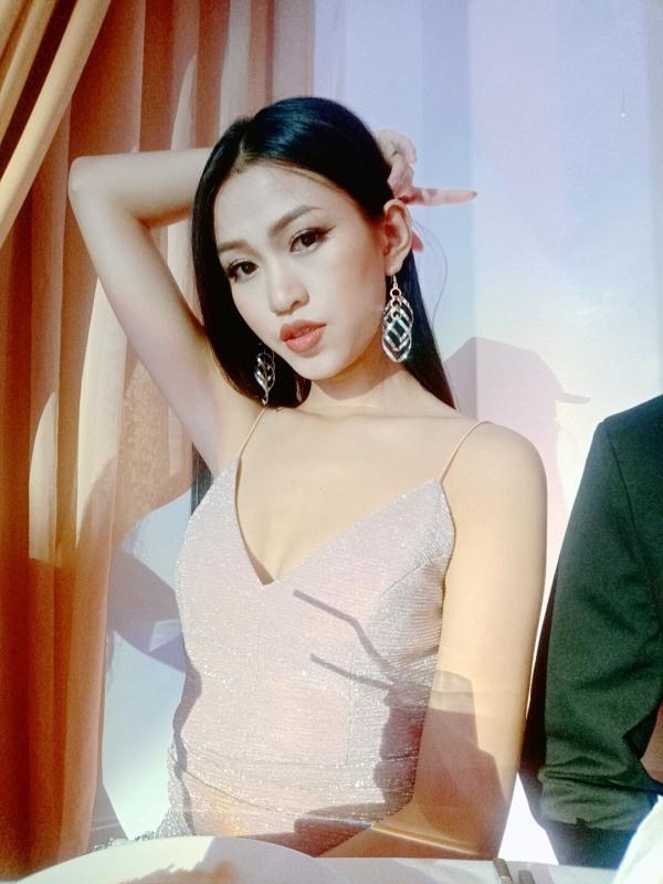 Mỹ nữ Ê Đê eo 59cm, chân dài nuột nà lọt vào bán kết Hoa hậu Việt Nam - 12