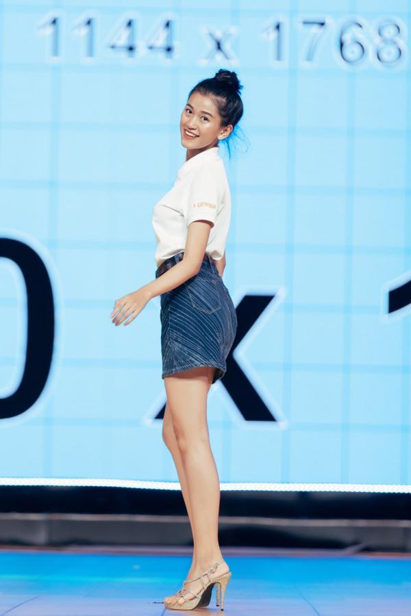 Mỹ nữ Ê Đê eo 59cm, chân dài nuột nà lọt vào bán kết Hoa hậu Việt Nam - 11