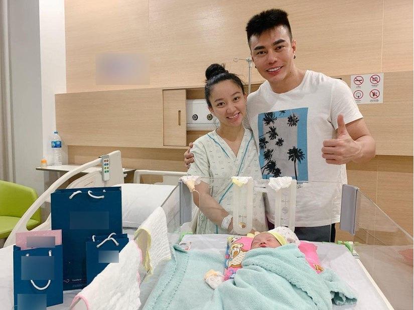 Trung thu vẫn chăm chỉ livestream bán hàng, vợ Lê Dương Bảo Lâm lại bị hỏi câu phẫn nộ - 4