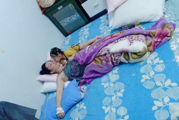 Trung thu vẫn chăm chỉ livestream bán hàng, vợ Lê Dương Bảo Lâm lại bị hỏi câu phẫn nộ - 5