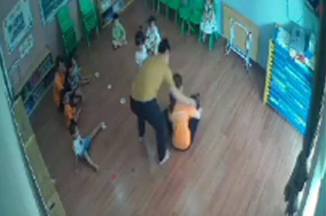 Phụ huynh vào lớp đánh trẻ mầm non: Gia đình bé gái 2 tuổi bị đánh lên tiếng