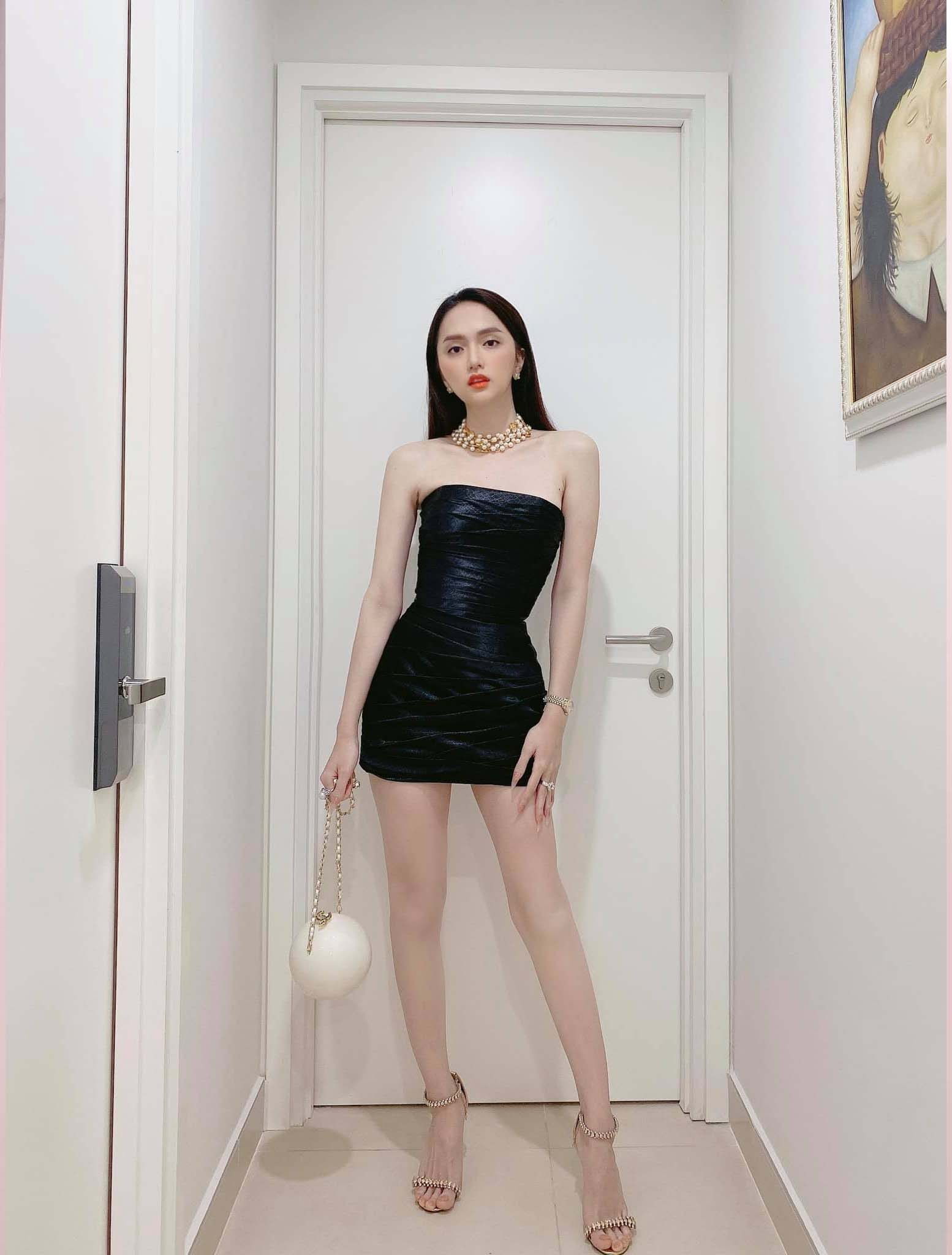 Cứ mỗi lần ngồi xe sang, Hương Giang lại chiêu đãi fan xu hướng thời trang mới - 6