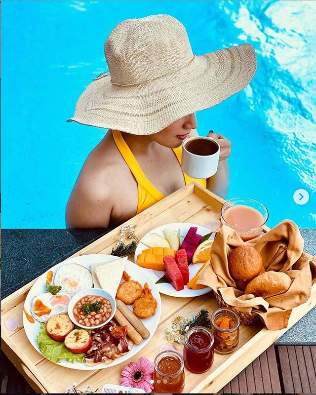 Soi bữa sáng dưới bể bơi của mỹ nhân Việt, tìm ra công thức ăn ngon giữ dáng chuẩn - 3