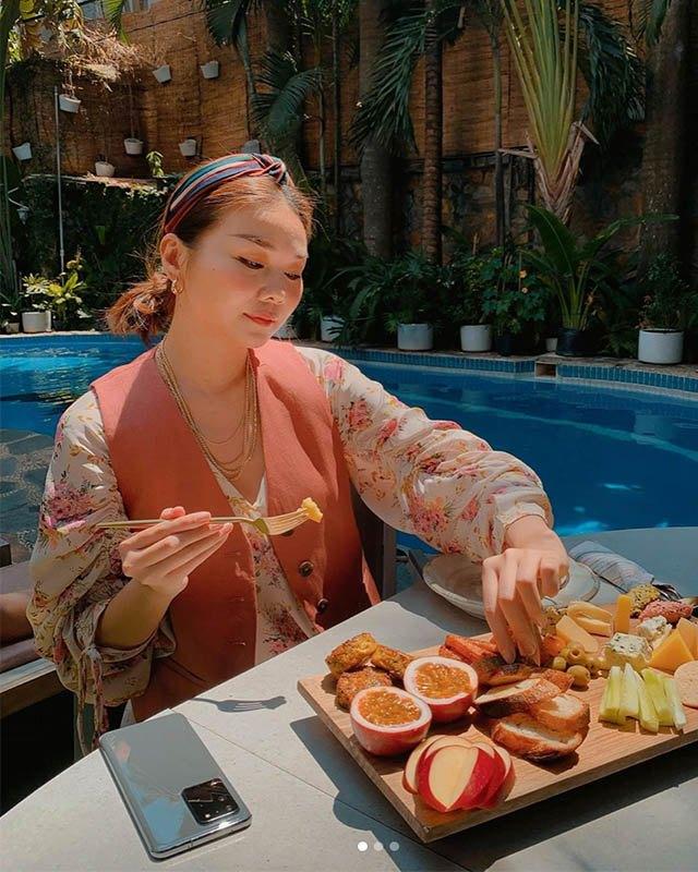 Soi bữa sáng dưới bể bơi của mỹ nhân Việt, tìm ra công thức ăn ngon giữ dáng chuẩn - 5