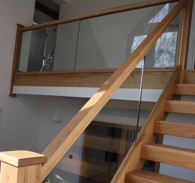 Mẫu cầu thang gỗ đẹp hiện đại, đơn giản làm nổi bật ngôi nhà - 17