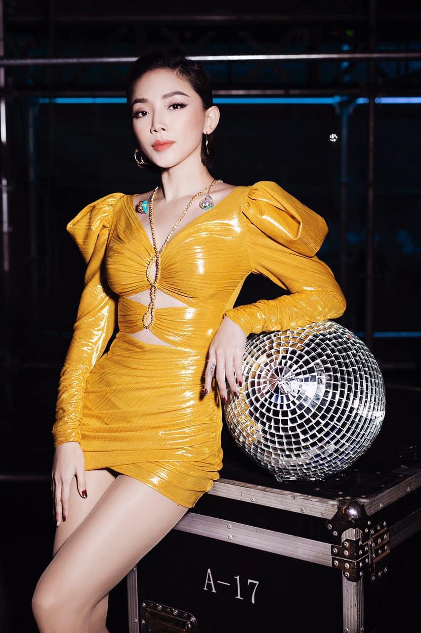 Cứ lên bar là váy áo của sao tự ngắn cũn cỡn, không khéo mặc lại thành kém duyên - 12