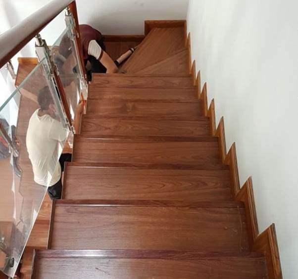 Mẫu cầu thang gỗ đẹp hiện đại, đơn giản làm nổi bật ngôi nhà - 13