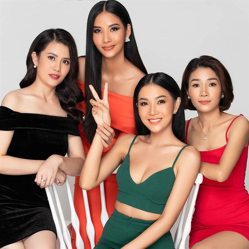 Loạt sao Việt nhà đông con nhưng toàn gen trội: các chị gái xấp xỉ U40 mà trẻ măng - 4