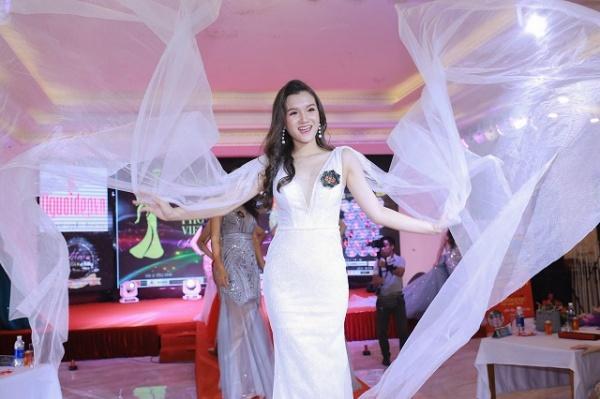 Nữ sinh 2K2 dáng đẹp mê, gương mặt như thiên thần vào Bán kết Hoa hậu Việt Nam - 12