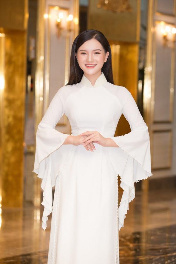 Nữ sinh 2K2 dáng đẹp mê, gương mặt như thiên thần vào Bán kết Hoa hậu Việt Nam - 7