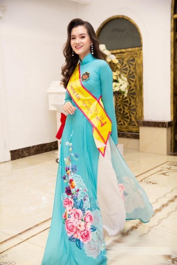 Nữ sinh 2K2 dáng đẹp mê, gương mặt như thiên thần vào Bán kết Hoa hậu Việt Nam - 9