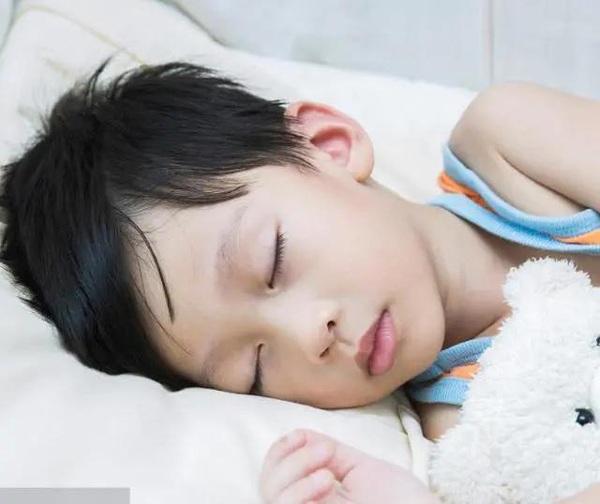 Giờ đi ngủ giúp trẻ tăng chiều cao vù vù lại khỏe mạnh, nhưng đừng thức dậy vào lúc này - 3