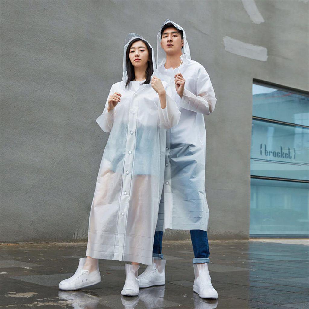 Mặc kệ áo mưa 20k bán nhan nhản, hội nhà giàu thích tốn vài chục triệu diện cho sang người - 3