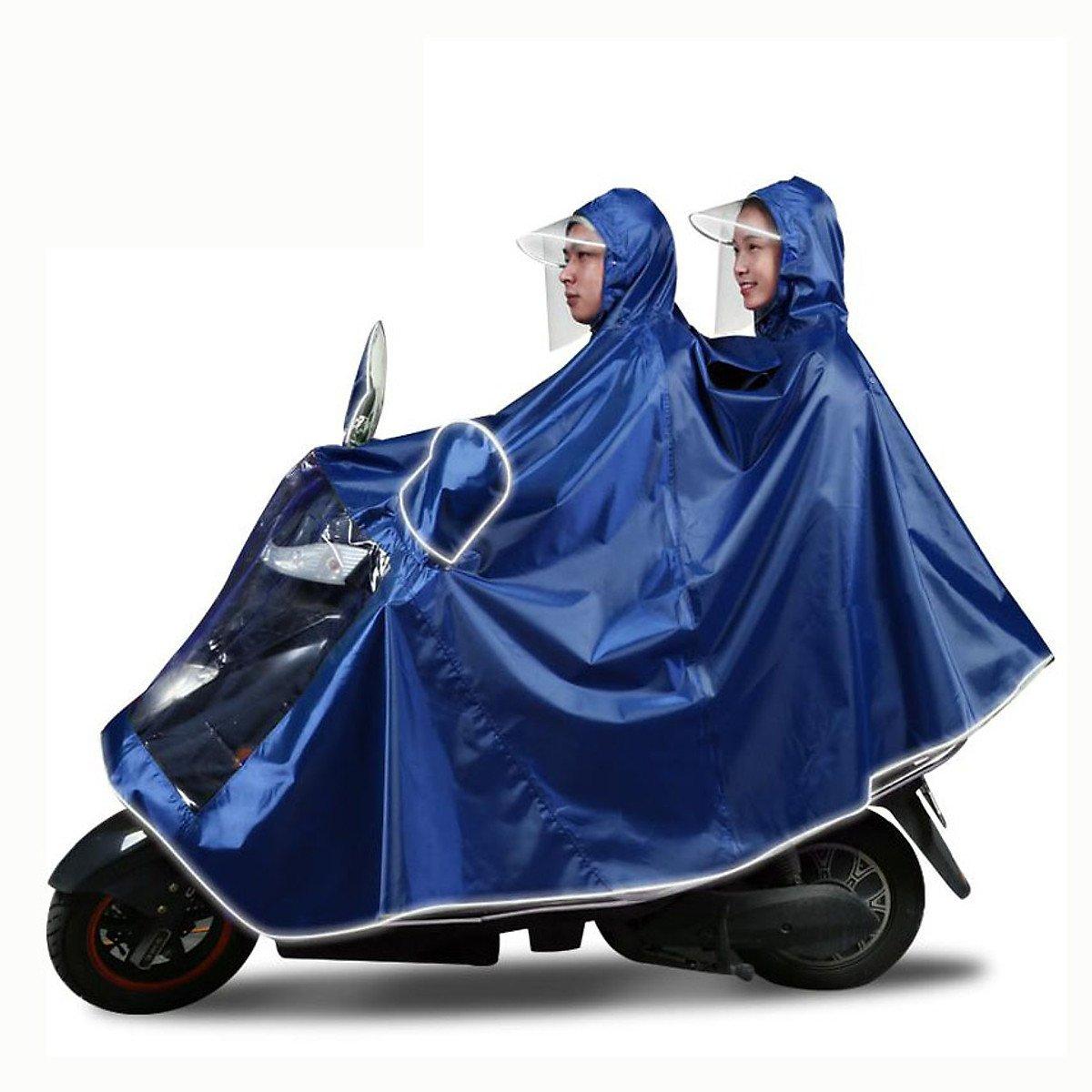 Mặc kệ áo mưa 20k bán nhan nhản, hội nhà giàu thích tốn vài chục triệu diện cho sang người - 1