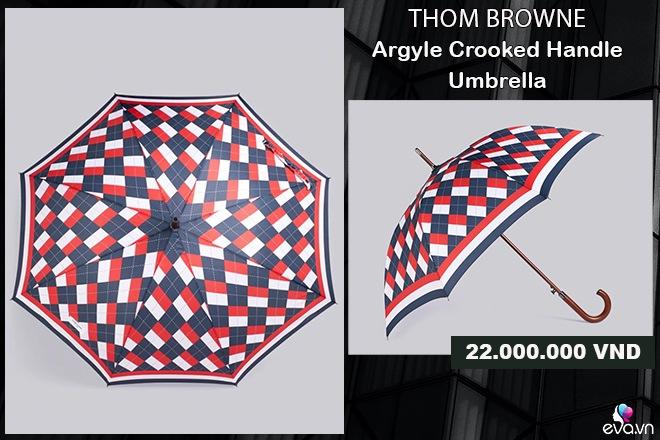 Mặc kệ áo mưa 20k bán nhan nhản, hội nhà giàu thích tốn vài chục triệu diện cho sang người - 8
