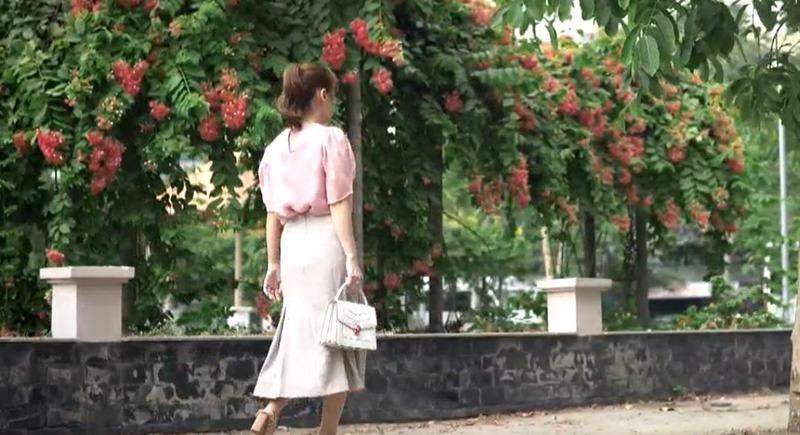 amp;#34;Sạnamp;#34; phim mới của Ngọc Lan: Hoa tai biết amp;#34;biến hìnhamp;#34;, màu tóc tự thay đổi giữa chừng? - 11
