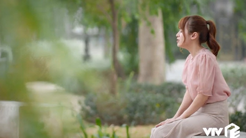 amp;#34;Sạnamp;#34; phim mới của Ngọc Lan: Hoa tai biết amp;#34;biến hìnhamp;#34;, màu tóc tự thay đổi giữa chừng? - 14