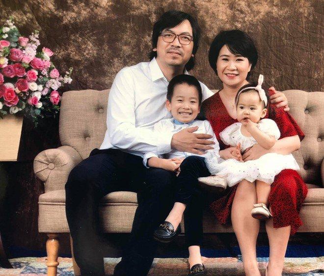 Cuộc sống hiện tại của amp;#34;Giáo sư Xoayamp;#34; đình đám trên sóng VTV sau 8 năm cưới vợ - 4