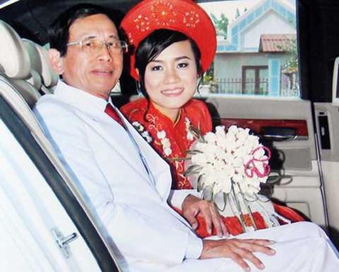 Đám cưới của lão đại gia và cô gái trẻ từng xôn xao dư luận thời gian dài.