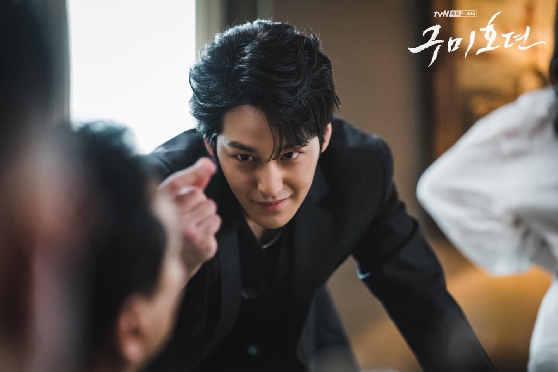 Vẻ đẹp trai amp;#34;bất bạiamp;#34; sau 11 năm của bạn thân Lee Min Ho khiến khán giả Hàn phát cuồng - 3