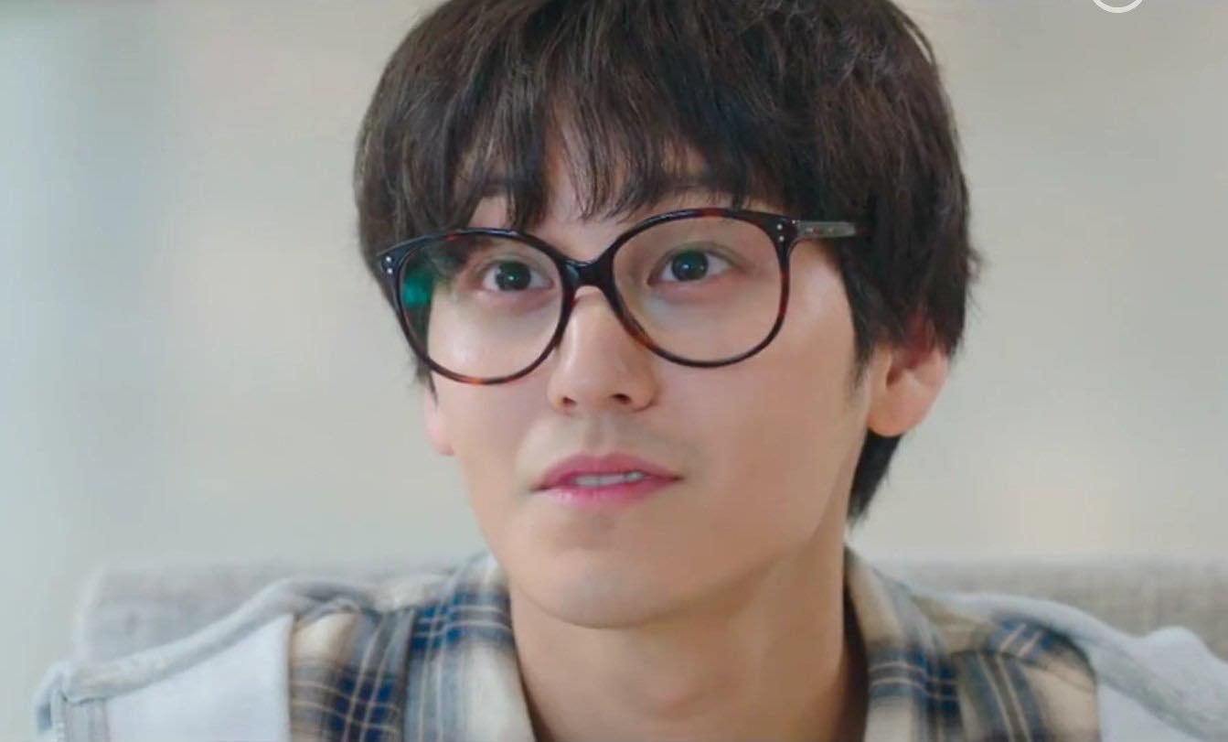 Vẻ đẹp trai amp;#34;bất bạiamp;#34; sau 11 năm của bạn thân Lee Min Ho khiến khán giả Hàn phát cuồng - 10