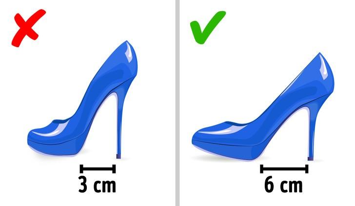 Những mẫu giày độc lạ thách thức bước chân của sao, có đôi amp;#34;lẹmamp;#34; mất luôn phần gót - 13
