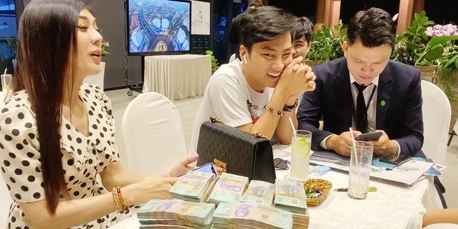 Vác balo tiền đi chốt nhà 30 tỉ, Lâm Khánh Chi còn đòi sắm thêm dinh phủ 50 tỉ đồng - 3